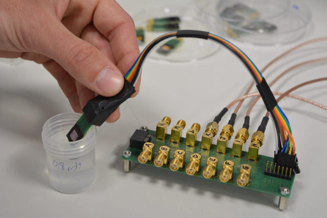 Un dispositivo codesarrollado por el CSIC permite detectar la insuficiencia cardiaca a partir de la saliva